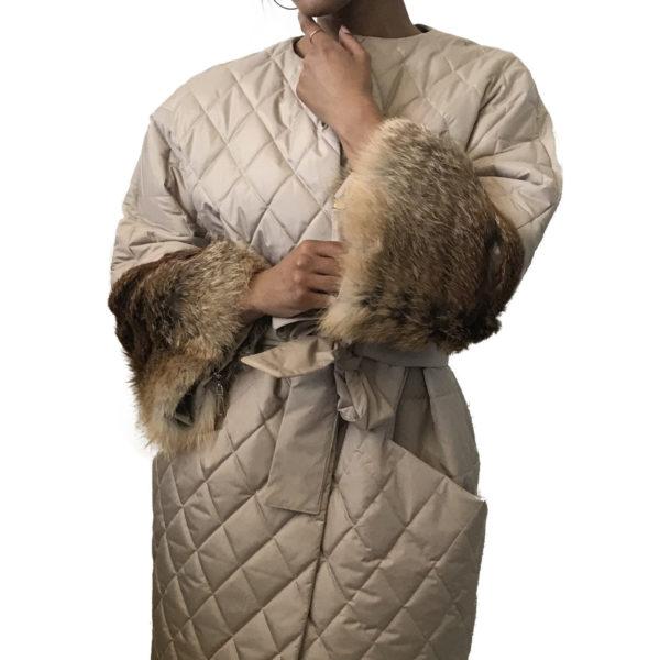 Women Beige Quilted Coat Fox Fur Sleeves Transformers